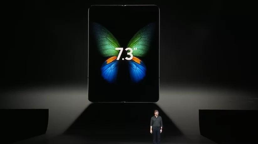 Samsung Galaxy Fold finalmente relançado com algumas melhorias no seu design e construção 1