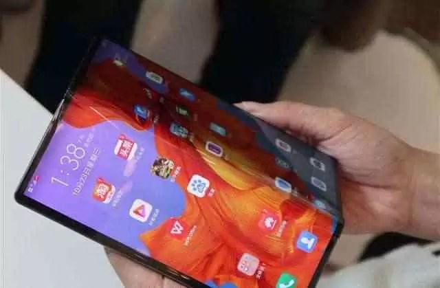 Huawei Mate X mãos em fotos