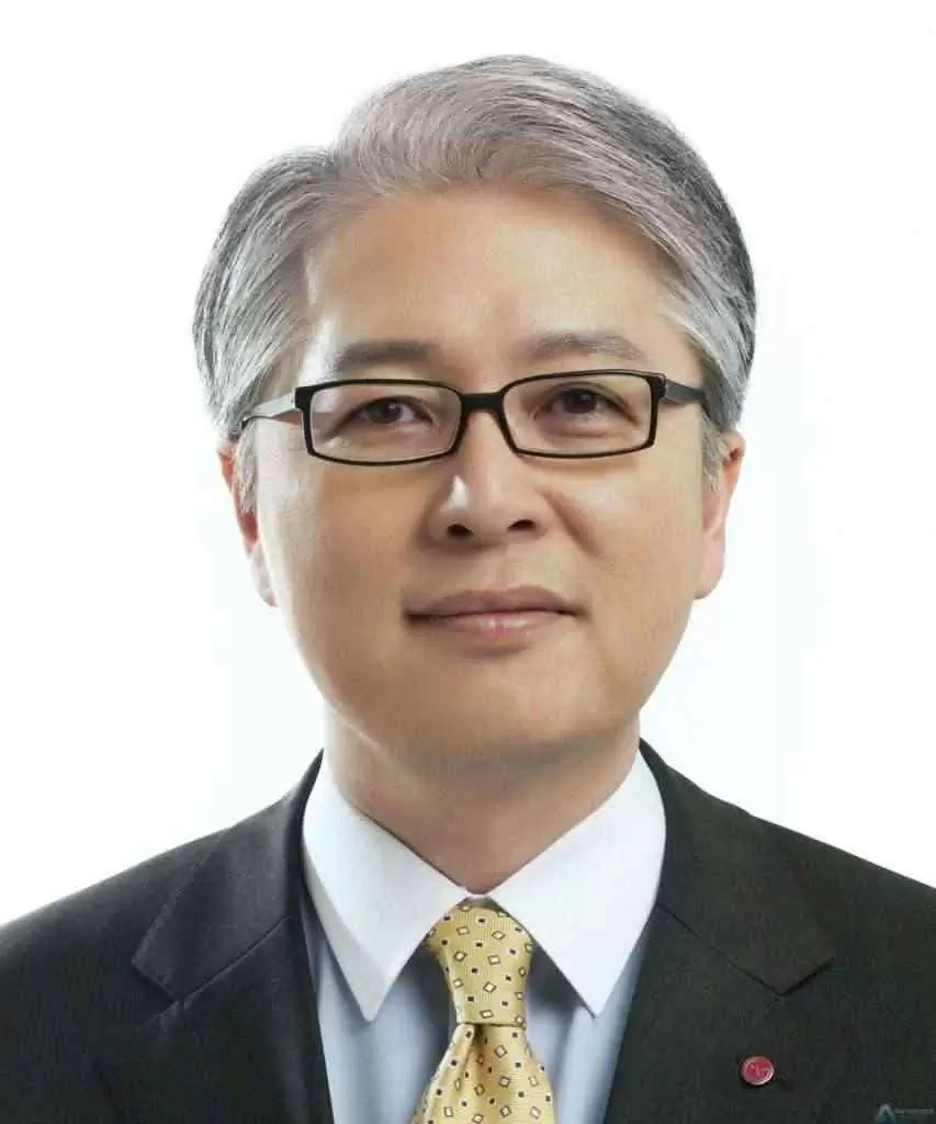 Brian Kwon, , CFO, CSO, Heads of Home Entertainment, Mobile Communications
