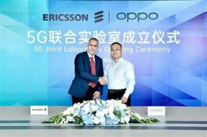 Luca Orsini, chefe de redes e vice-presidente, MNEA, Ericsson e Andy Wu, vice-presidente da Oppo e presidente de engenharia de software