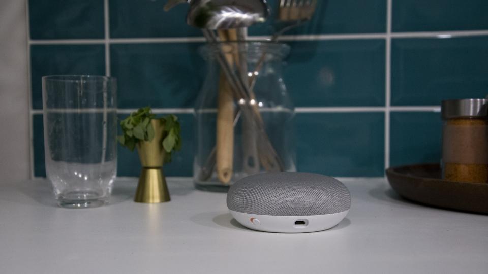 Google Home Mini recebe atualização para o impedir de gravar tudo 1