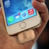 Neuartige Papier-Batterie zum Anstecken soll Smartphone für mehrere Stunden laden