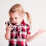 Forscher schlagen Alarm: Smartphones und Tablets können das Gehirn von Kleinkindern schädigen