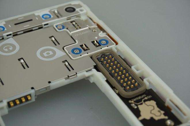 Fairphone_2_4