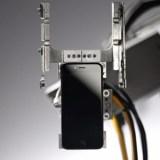 Dieser Roboter zerlegt ein iPhone in 11 Sekunden