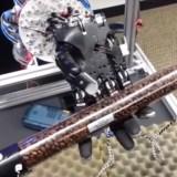 Uni Washington: Roboterarm lernt, Dinge zu greifen und zu drehen