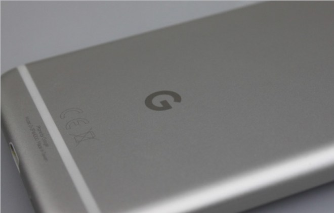 Made by Google Auf der Rückseite prangt das Google-Logo. Es ist das erste Mal, dass das ganze Gerät von Google kommt – Hardware und Software.