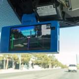 Lust auf Autopilot, aber kein Geld für einen Tesla? Mit diesem Gadget lässt sich die Funktion nachrüsten!