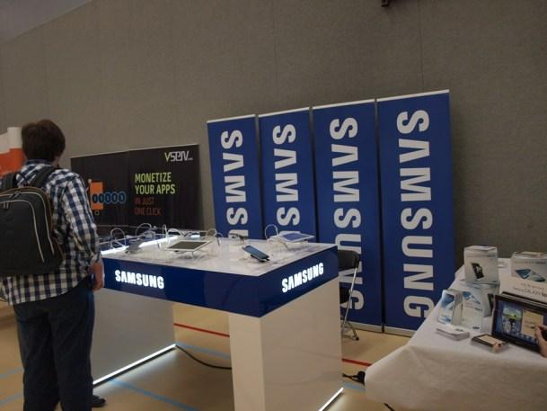 Auch am Stand von Samsung gab es Telefone zu bestaunen (Bildquelle: Tamoggemon Holding k.s.)