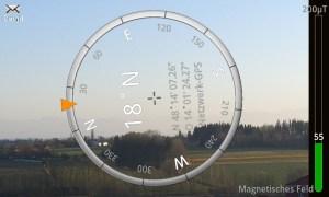 Mit dem integrierten Kompass kann man Gegenstände ausrichten oder gegebenfalls auch den Weg nach Hause finden.