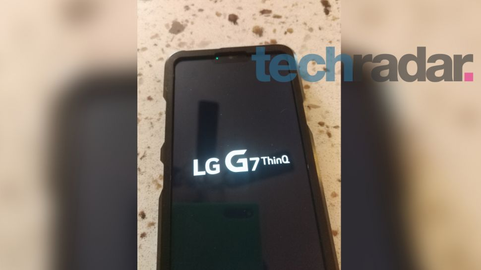 LG G7 leaked pictures reveal an iPhone-like design