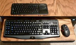 Logitech K400 size comparison