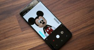 Mickey Mouse and Minnie Mouse AR Emoji