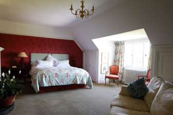 Red_room_Poundon
