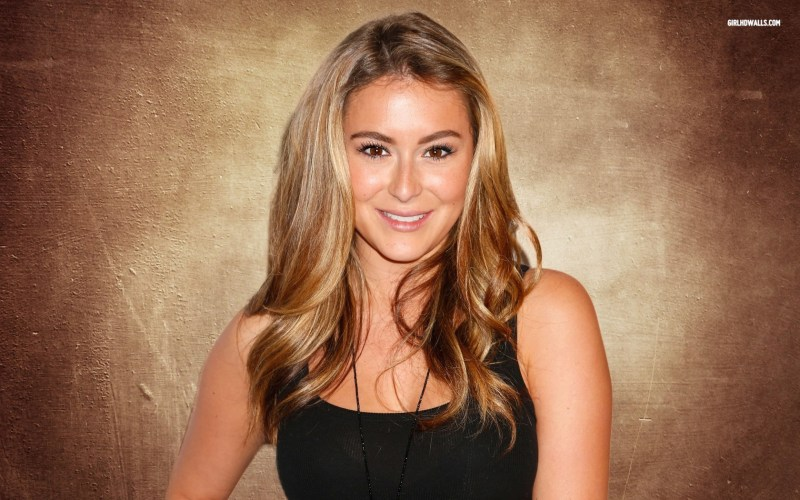 Alexa PenaVega on Nashville