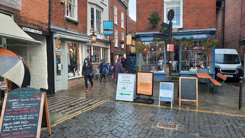Harp Lane Deli applies for awning – its plans for tables and a gazebo need more discussion