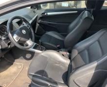 2008 Saturn Astra Interior