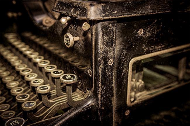 Detail of antique typewriter - in Vlogging, Podcasting and Image Blogging