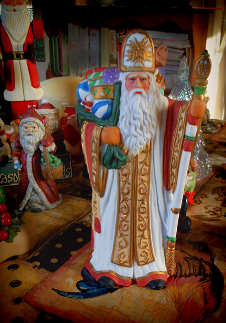 Priestly-Santa-Tchotchkes