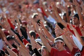 110307_UGA_4th_fans_TF