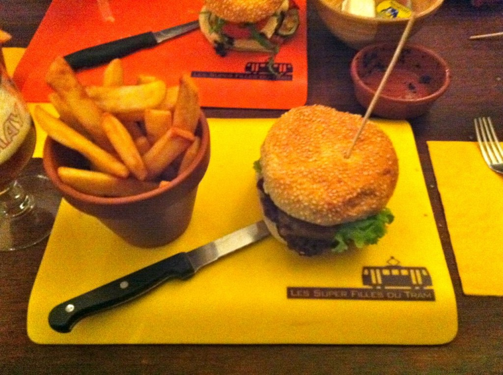 Hamburger and frites at Les Super Filles du Tram Brussels.