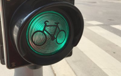 Traffic Signals for Active Mobility