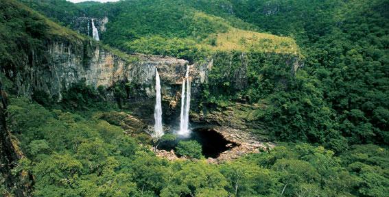 Saltos do Rio Preto waterfall