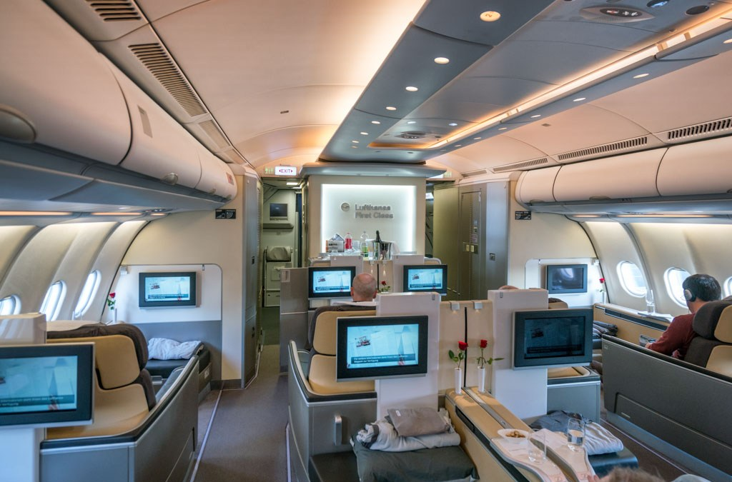 What it's like flying Lufthansa First Class FRA-DFW