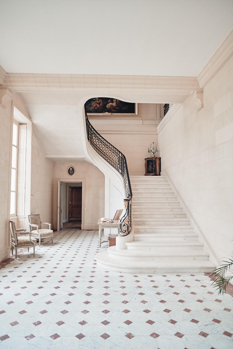 vue d'ensemble de l'escalier du chateau de craon