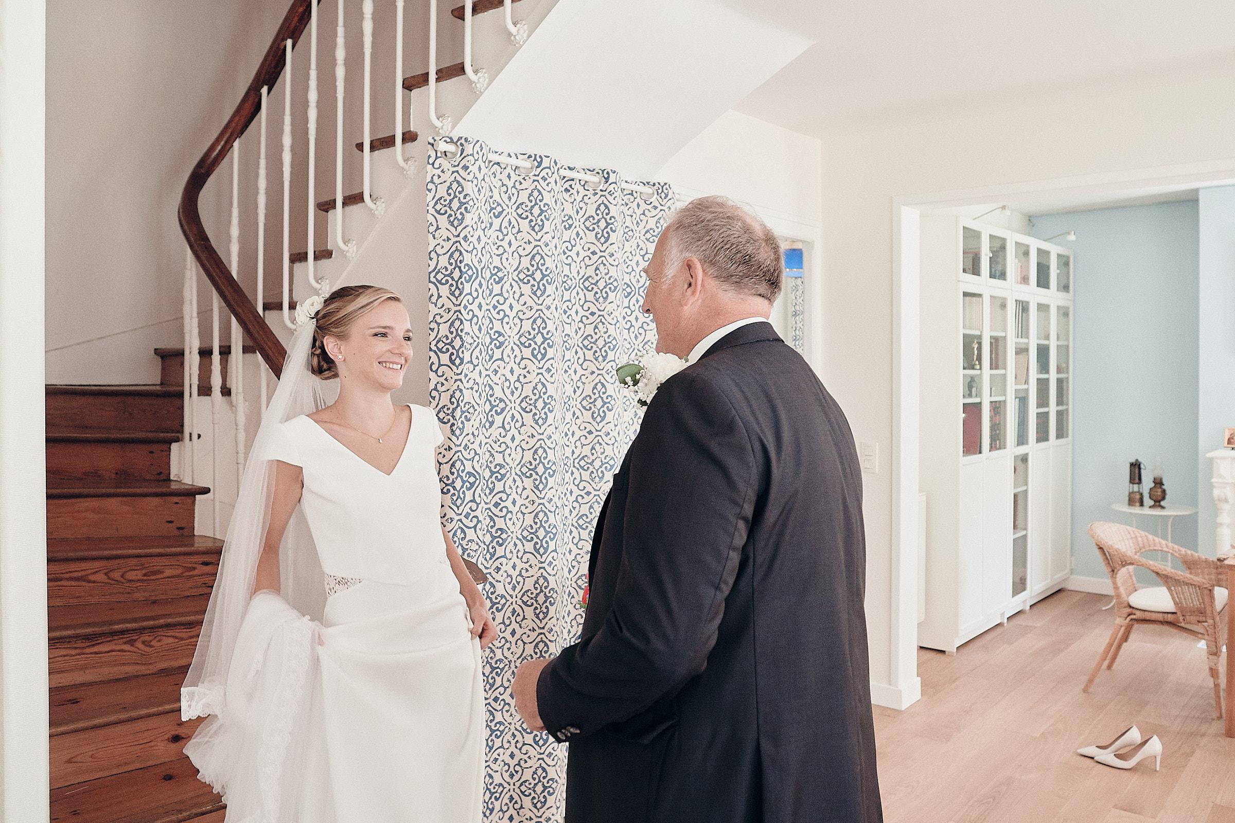 le père découvre la mariée