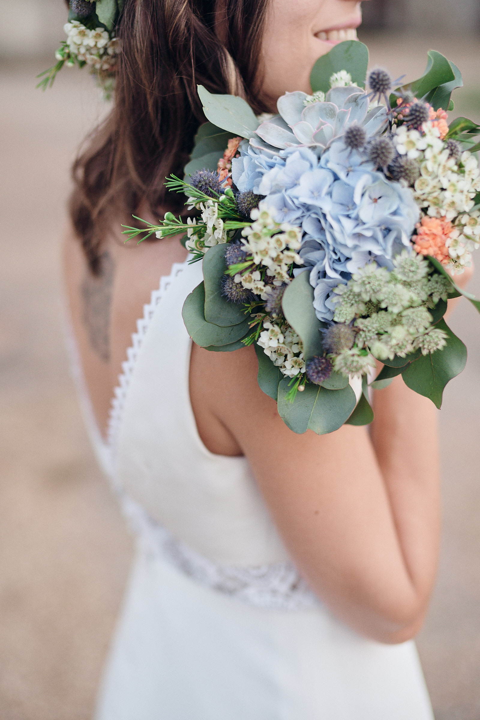 detail sur le bouquet de la mariee