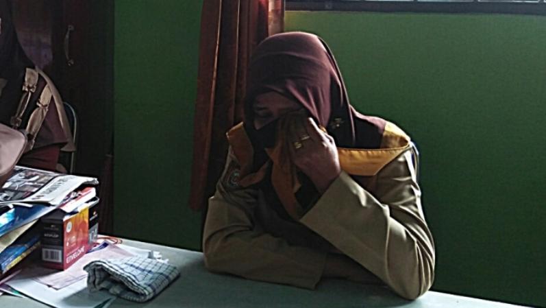 Tak Terima Anaknya Dipukul, Polisi Pukuli Siswa SD di Depan Guru