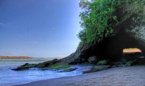 Pantai Karang Bolong - Kebumen