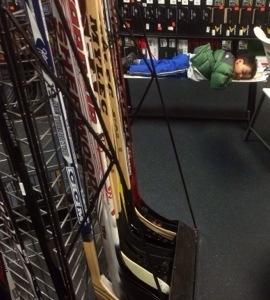 play it again sports lynnwood to get hockey equipment