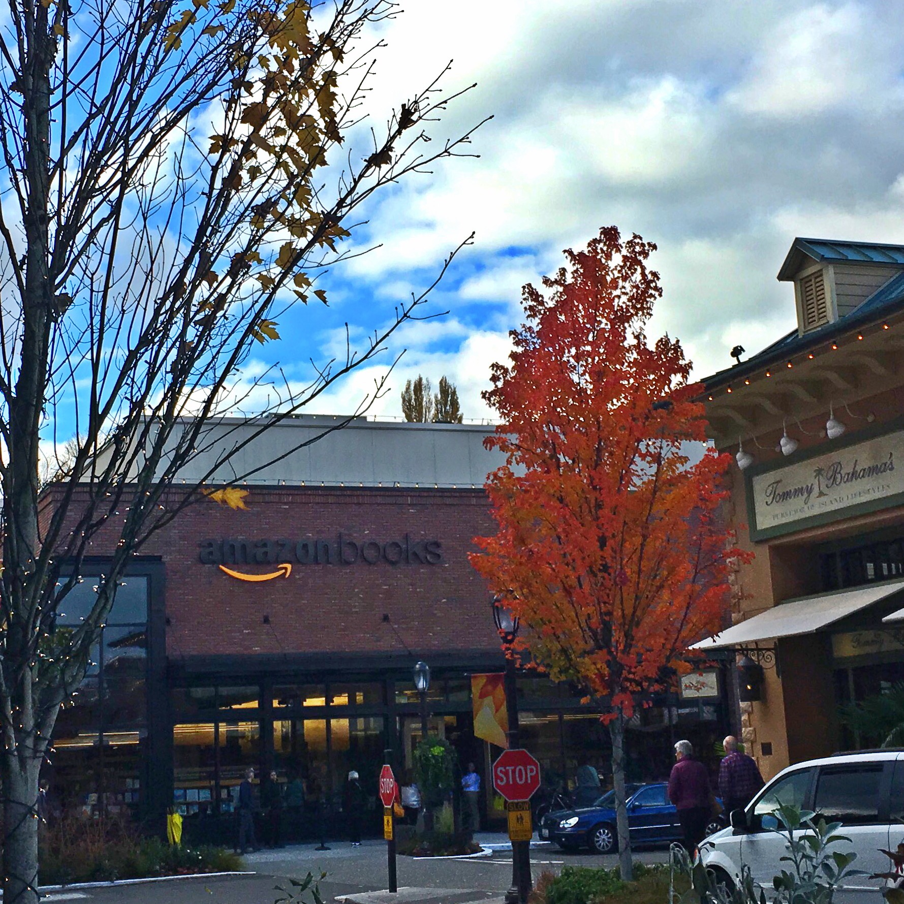 first day open at Amazon Books in Uvillage Review