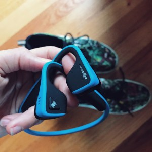 Aftershokz Titanium headphones review for my holiday shopping