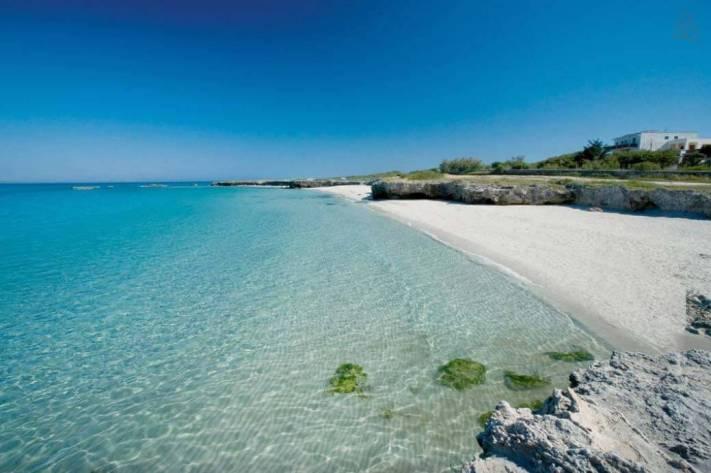 Besondere-Airbnb-unterkünfte-in-Europa-Trullo-Italien-Umgebung