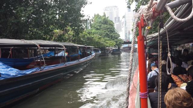 Man kan skyde genvej via Bangkoks kanaler.