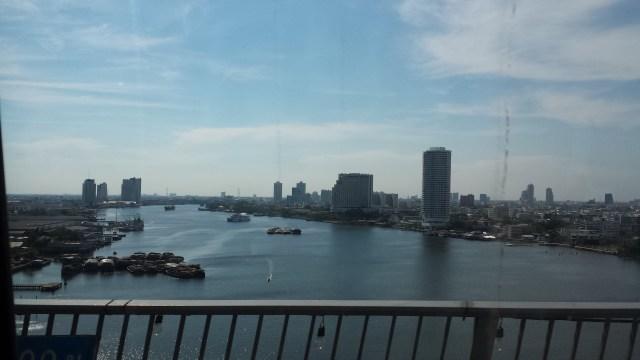 Udsigt over flod i Bangkok