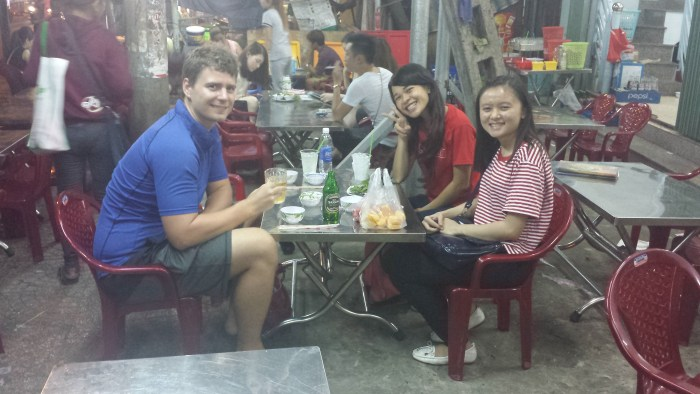 Gademad Thomas og de 2 piger