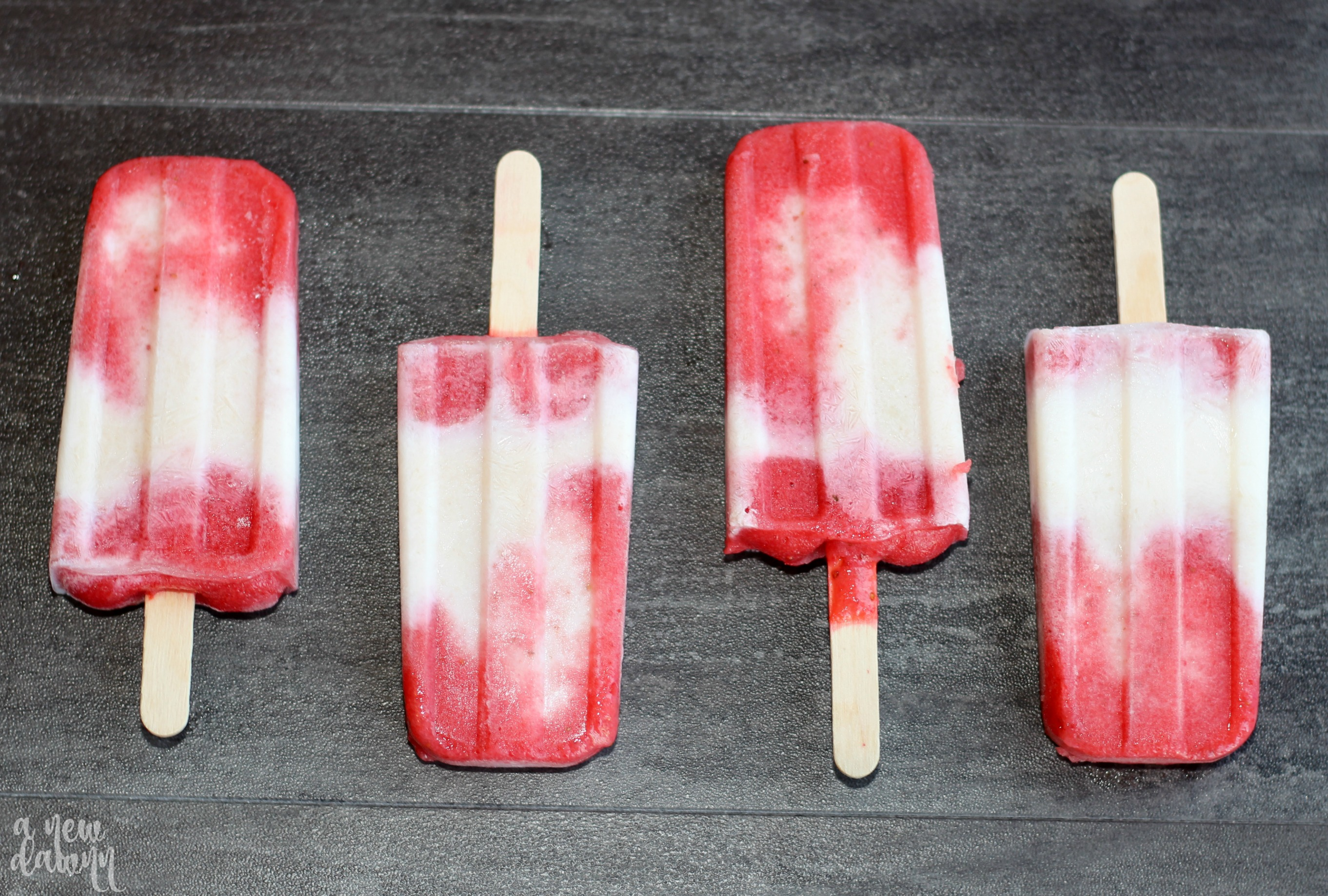 strawberry-yogurt-fruit-pops