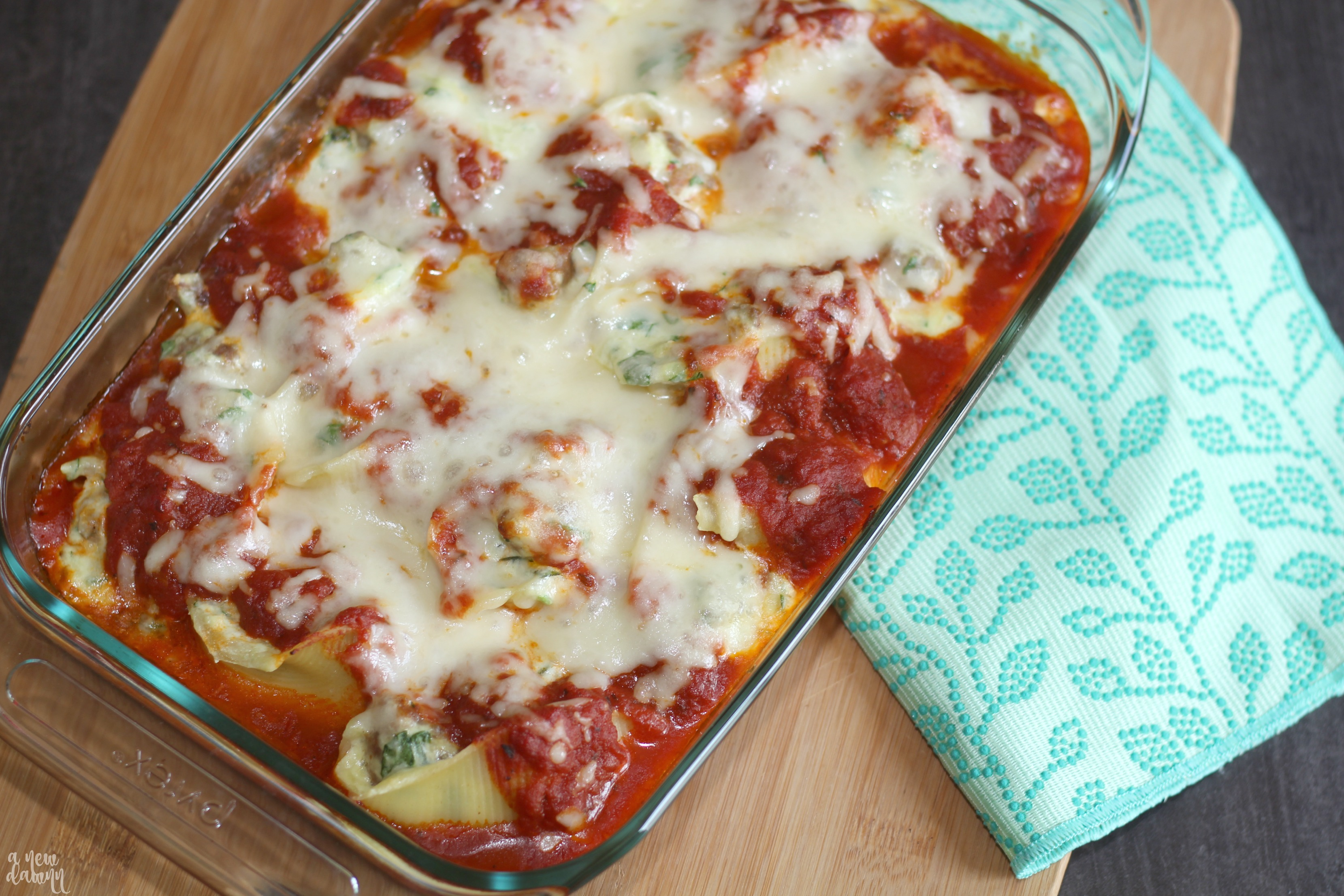 sausage-spinach-stuffed-shells