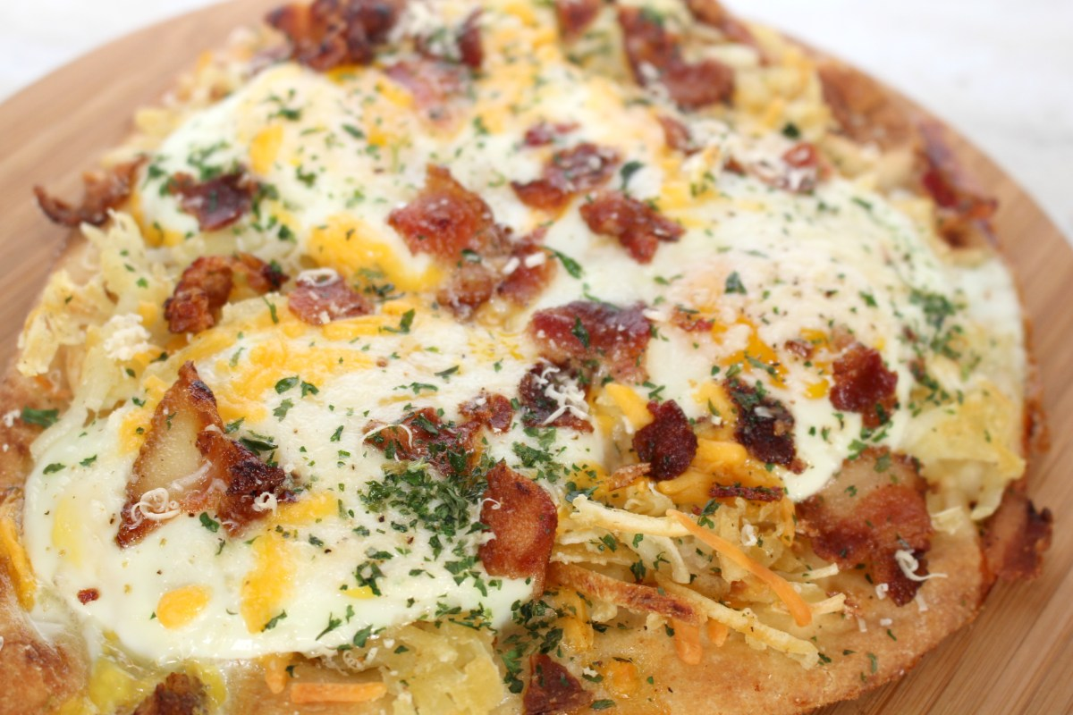 Host the Perfect Brunch with a Delicious Breakfast Pizza