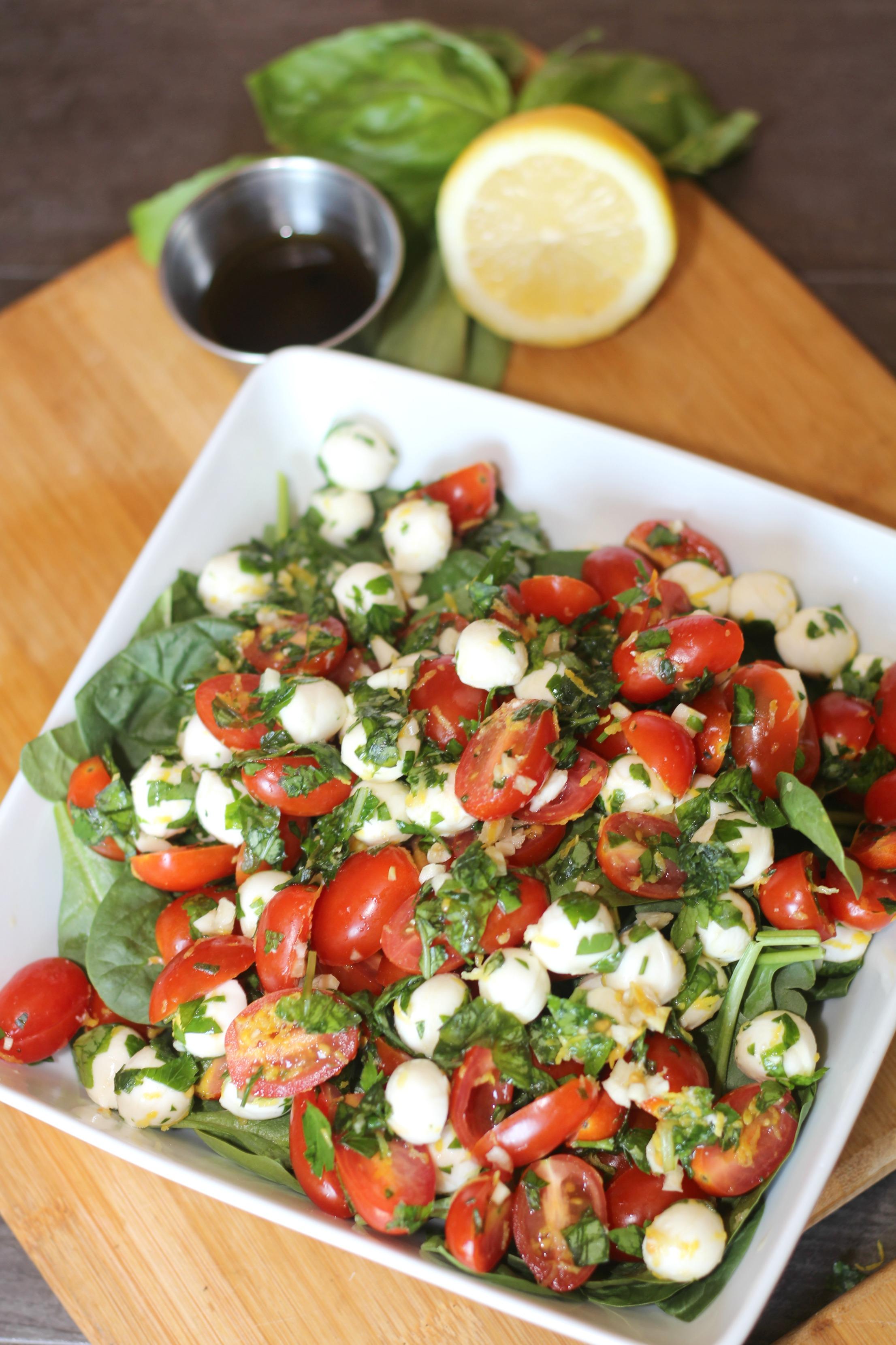 Easy Weeknight Dinner - Pizza & Caprese Salad
