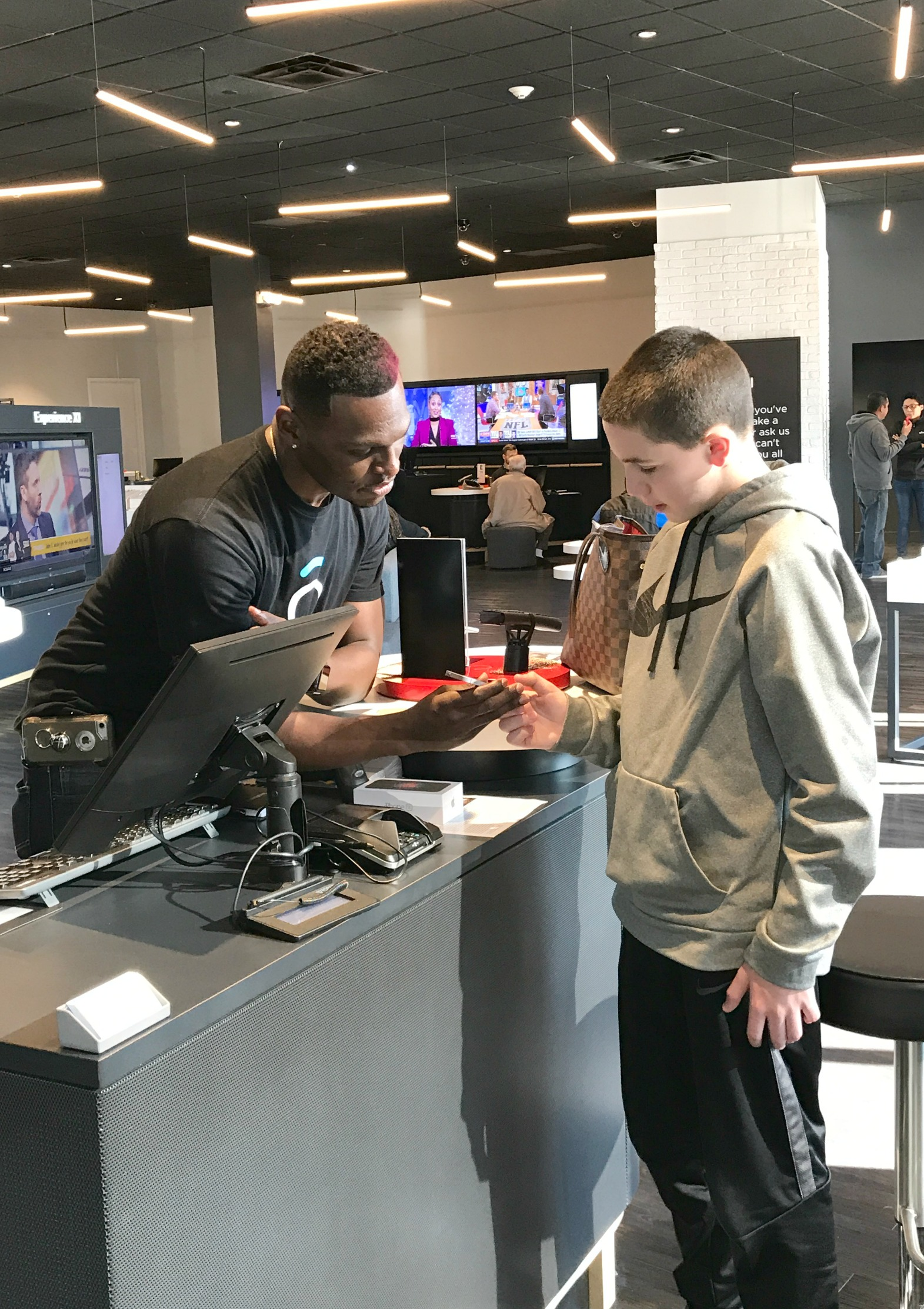 5 Reasons Xfinity Mobile is Perfect for Teens
