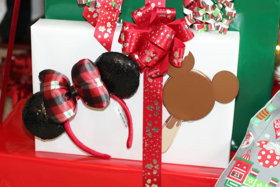Give Disney World Magic This Holiday Season + Enter to WIN A Magical Prize Pack