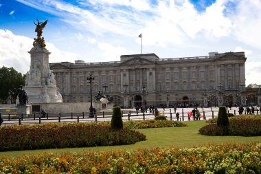 1920px-Buckingham_Palace_2007-05