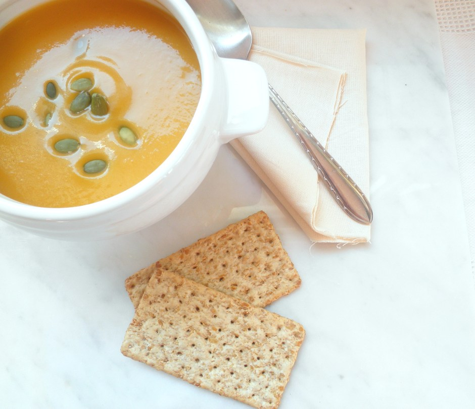 Pumpkin Soup with crackers