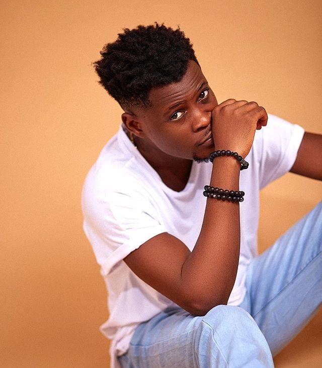 Tomiwa Tegbe as Dozie / friend