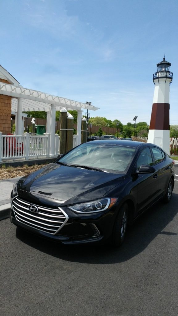 2017 Hyundai Elantra- I spent the weekend cruising around Long Island, New York in this gorgeous beast. Affordable family car that doesn't LOOK like an affordable family car. Take a peek at my thoughts and see some great features of the Hyundai Elantra Eco